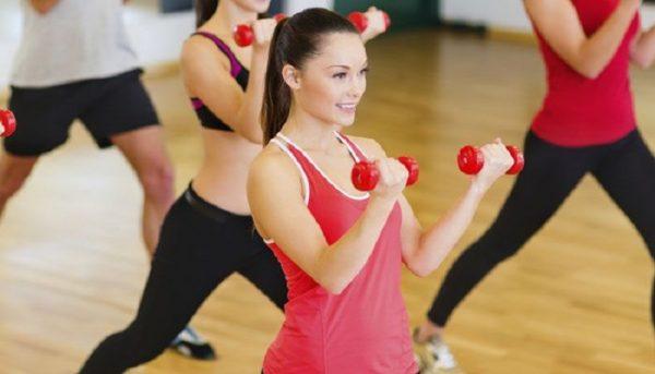 Latihan angkat beban